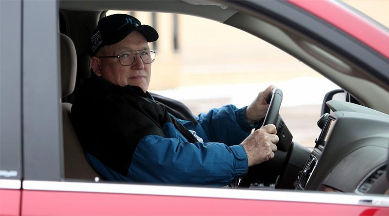 Pessoas idosas, com deficiência e doenças graves têm isenção de imposto na compra de veículos 0KM