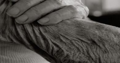 Recursos sociais e económicos nas pessoas muito idosas: diferenças de género