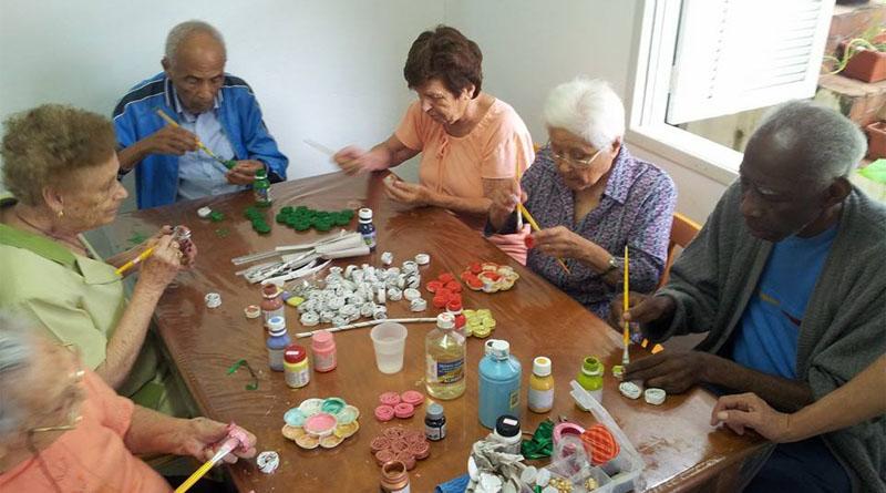 Amado A Terapia Ocupacional e o processo de envelhecimento | Portal do  MA74