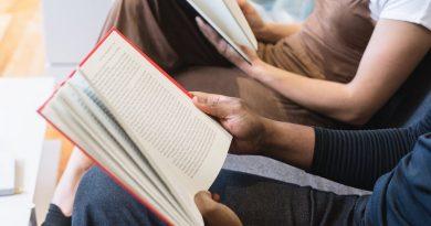 Psicogerontologia na formação de profissionais e de familiares ao cuidado da velhice