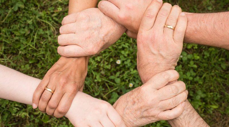 Convívio entre gerações: família, trabalho e sociedade