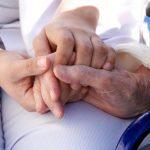 Saúde do idoso – a quem compete o pagamento das despesas do acompanhante?