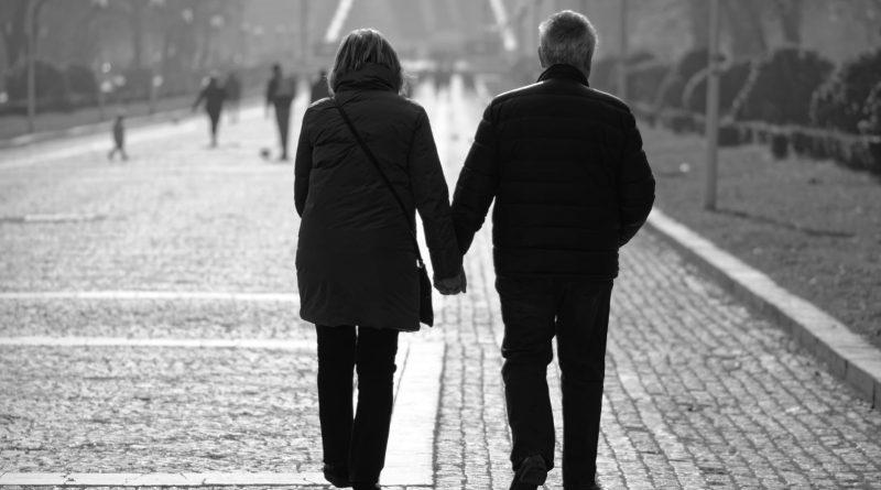 Comid alerta sobre preconceito social contra idosos durante a pandemia