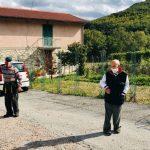 Vila italiana tem apenas dois residentes, que insistem em usar máscaras